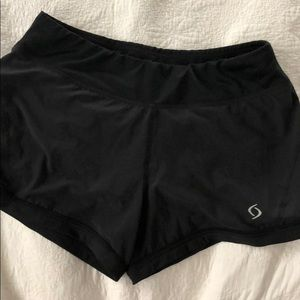 Moving Comfort Running shorts size S